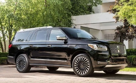 Lincoln Navigator Cropped